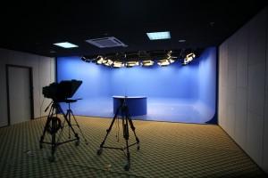 校园电视台(二层)
