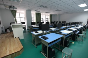 通用技术设计室(二层)